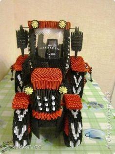 """Здравствуйте! Здравствуйте! Здравствуйте! Сегодня я к Вам с трактором. Делала его почти три месяца, спешила сделать к """"Дню работников сельского хозяйства"""" к 12 октября. Но вот нету терпения, хочу показать сейчас, да и в событиях такого праздника нет.  Вот он мой красавец.  фото 6"""