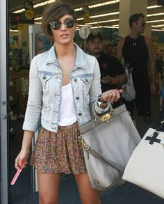 4e3b4b74eaa What to Wear With Your Jean Jacket - A Celebrity Guide Frankie Sandford