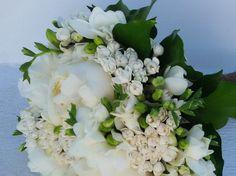 ανθοδεσμη γαμου Floral Wreath, Wreaths, Home Decor, Homemade Home Decor, Flower Crowns, Door Wreaths, Deco Mesh Wreaths, Interior Design, Home Interiors