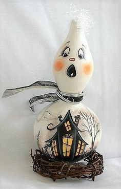 Ghost Gourd with Haunted House - Hand Painted Halloween Gourds, Halloween House, Easy Halloween, Hand Painted Gourds, Gourds Birdhouse, Wild Grass, My Ghost, Haunted Houses, Ribbon Bows