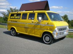 Ford E100 SuperVan NYC Yellow Cab