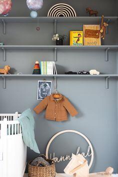 Nursery Themes, Nursery Decor, Room Decor, Baby Planning, Room Shelves, Nursery Neutral, Kid Spaces, Cool Baby Stuff, New Room