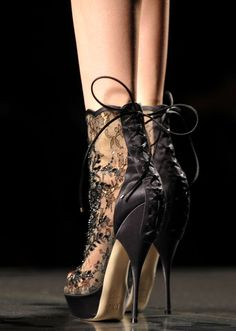 Black  Lace Shoes - Stunning !