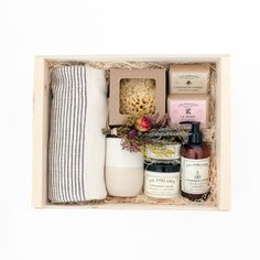 Discover our unique curated gifts, luxury gift boxes and premium gift baskets for her. Our women's gifts include the finest in apothecary, home, custom gift boxes, curated gift baskets and more. Diy Christmas Gifts, Holiday Gifts, Holiday Gift Baskets, Christmas Hamper, Homemade Gifts, Diy Gifts, Cute Gifts, Best Gifts, Gift Hampers