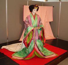 Woman wearing junihitoe.