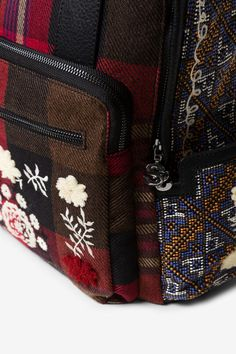 Woman's square checked backpack with floral embroidery. New Desigual Accessories collection. Tartan Plaid, Louis Vuitton Monogram, Adidas, Pattern, Bags, Fashion, Dressmaking, Handbags, Moda