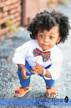 Why, hello, there! Link goes to gallery of kids' natural hair styles Natural Hairstyles For Kids, Natural Hair Styles, Curly Hair Styles, Childrens Hairstyles, Toddler Hairstyles, Beautiful Black Babies, Beautiful Children, Pelo Natural, Natural Baby