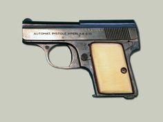 Perla  6,35 mm Pistole produkovaná firmou F. Dušek z Opočna. Jednalo se o zbraň pro civilní trh, jejíž konstrukce napodobovala typ Walther Model 9 z Německa.