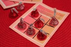Valentine's Tic Tac Toe (free printable) - a game, treat and fun all wrapped up in one!