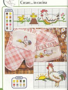 Символ 2017 года Chicken Cross Stitch, Cross Stitch Bird, Beaded Cross Stitch, Cross Stitch Kitchen, Little Stitch, Animal Decor, Stitch 2, Hens, Plastic Canvas