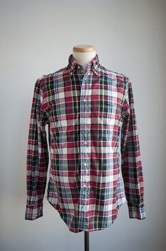 It's a simple, classic shirt but it's also easy to have a variety of ways to mix