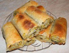 Romanian Food, Romanian Recipes, Leek Pie, Pastry And Bakery, Spanakopita, Dairy Free Recipes, Hot Dog Buns, Free Food, Good Food