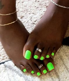 Hottest Trends for Acrylic Nail Shapes Pretty Pedicures, Pretty Toe Nails, Cute Toe Nails, Dope Nails, Pretty Toes, Nice Toes, Beautiful Toes, Green Toe Nails, Summer Toe Nails