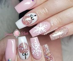 Xmas Nail Art, Cute Christmas Nails, Christmas Nail Art Designs, Holiday Nail Art, Xmas Nails, Winter Nail Designs, Pink Nails, Christmas Games, Diy Christmas