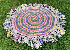 Crochet 5 Spiral Throw Rug This throw rug pattern can done in many colors and will be great for any room. Enjoy this Crochet 5 Spiral Throw Rug Pattern by Thoroughly Hooked! Click on the Link for the Pattern, if you have any questions, please ask the designer on their site. Thanks