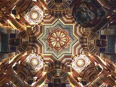 Castelo de Cardiff, no País de Gales. Salão Árabe.