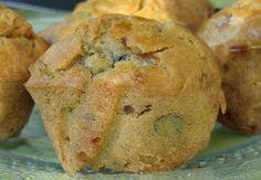 Muffins salés aux champignons, tomates et aubergines grillées, à l'huile d'olives et à l'ail, sans gluten, sans lactose.