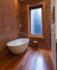 Hot Bathroom Trends: Freestanding Bathtubs Bring Home The Spa Retreat