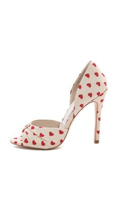 Love these heart-print heels, so cute! :: Retro High Heels:: Rockabilly Heels:: Vintage Footware:: Pin Up Heels