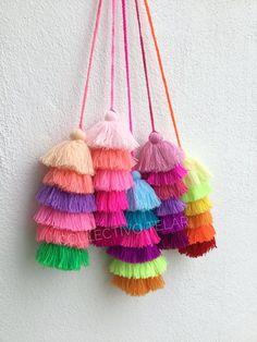 Tassel pom poms for hangbags mexico pom pom tassel Pom pom bag Hand Embroidery, Embroidery Designs, Saree Tassels Designs, Pom Pom Bag Charm, Pom Pom Decorations, Rakhi Design, Pom Pom Crafts, Diy Tassel, Fabric Jewelry