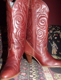 DINGO boots vintage brown leather embroidered by OutOfMyMamasAttic, $50.00