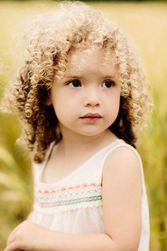 The best hairstyle ideas for a beautiful little girl The girl haircut can be an important experience in your child's life, especially if it's the first time she goes to the hairdresser.
