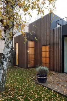 Wooden frame house,Courtesy of Frédéric Gémonet Architecture Durable, Houses Architecture, Residential Architecture, Architecture Details, House Cladding, Timber Cladding, Modern Wood House, Timber Screens, Wooden Facade