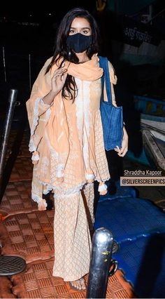 Shraddha Kapoor Cute, Indian Designer Suits, Beautiful Dream, How To Wear, Dresses, Fashion, Vestidos, Moda, Indian Designer Outfits