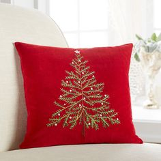 A simple but elegant evergreen is embroidered on our lavish holiday pillow. Design by Sally Eckman Roberts. Solid red velvet zippered back. Christmas Cushions, Christmas Pillow, Christmas Love, Homemade Christmas, Cushion Embroidery, Diy Embroidery Patterns, Decorative Hand Towels, Red Decorative Pillows, Ideas Decoracion Navidad