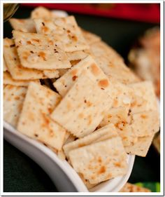RANCH PEPPER CRACKERS  1 & 1/4 cups canola oil 1 packet dry ranch dressing mix 2-3 tbsp. red pepper flakes 3-4 sleeves of Saltine crackers