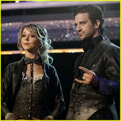 Lindsey Stirling Plays the Violin During 'DWTS' Finale Dance – Watch Now!
