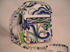 Vera Bradley Mini Hipster crossbody bag organizer wallet Mediterranean White • NWT Retired.  Perfect take-along when you're California trippin'  !!!!!