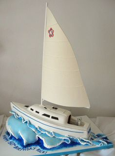 sailboat cake by courtneyscakes, via Flickr
