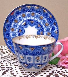 Lomonosov Russian Cobalt Arches Teacup & Saucer / Hand painted by Russian artisans & made of fine white porcelain trimmed with gold. Made in Russia by the Imperial Lomonosov Porcelain Factory Vintage China, Vintage Tea, Teapots And Cups, Teacups, China Tea Cups, My Cup Of Tea, China Patterns, Tea Cup Saucer, Drinking Tea