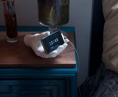 Display your iPhone with the Hand Dock #phone #dock