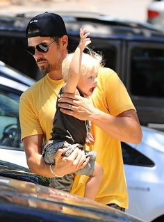 Fergie and Josh Duhamel take their son Axl to the park on June 19, 2015