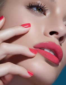 Lip Care Essentials for Summer for Kissbale Lips Lr Beauty, Beauty Makeup, Eye Makeup, Flawless Makeup, Gorgeous Makeup, Makeup Tips, Glossy Eyes, Glossy Makeup, Multi Colored Eyes