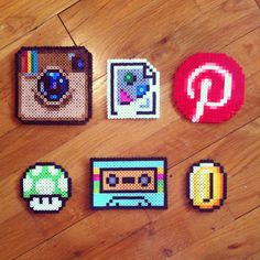 I love Perler beads. Love these icons and sprites done in Perler beads. Perler Bead Designs, Hama Beads Design, Diy Perler Beads, Perler Bead Art, Pearler Beads, Melty Bead Patterns, Hama Beads Patterns, Beading Patterns, Bijou Geek