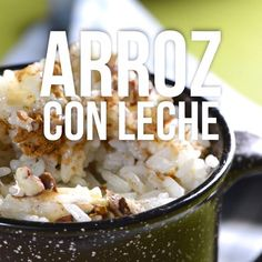 No hay postre ms mexicano que el delicioso arroz con leche cremosito. Mexican Snacks, Mexican Dishes, Mexican Food Recipes, Sweet Recipes, Dessert Recipes, Good Food, Yummy Food, Tasty, Cooking Recipes