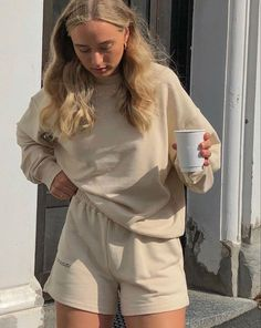 Style Outfits, Mode Outfits, Cute Casual Outfits, Fashion Outfits, Lounge Outfit, Lounge Wear, Easy Style, Mode Simple, Outfit Goals