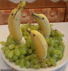 """30 Creative Ideas For Food Presentation - Great for a beach themed party…. This made me laugh! """"Great for a beach themed party… - Cute Food, Good Food, Yummy Food, Awesome Food, Awesome Art, Snacks Für Party, Beach Snacks, Sea Themed Party Food, Themed Parties"""