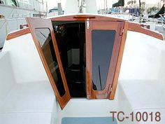 SAILBOAT COMPANIONWAY DOORS