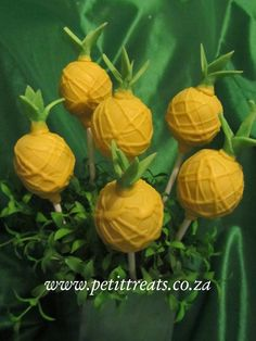 Hawaiian Themed Cake Pops - Pineapples, perfect for any summer party