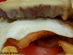 Heart attack burger. http://lacocinadecarmela.blogspot.com.es/2013/10/bocadillos-y-fast-food-heart-attack.html