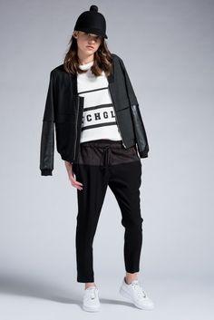 Siyah Pantolon TW6140003073