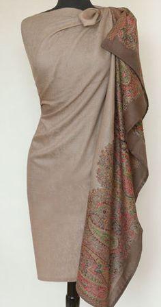 Large-Kani-Jamawar-Wool-Shawl-Beige-Detailed-Border-Paisley-Jamavar Abaya Style, Cashmere Pashmina, Pashmina Shawl, Abaya Fashion, Indian Fashion, Embroidery Scarf, Kashmiri Shawls, Paisley, Monday Outfit