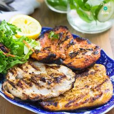 We thought we& show you how easy it is to make tasty Slimming World BBQ food with these 3 different Syn Free BBQ Chicken Steaks recipes. Chicken Steak, Barbecue Chicken, Jerk Chicken, Chicken Seasoning, Turkey Steak Recipes, Chicken Recipes, Cooking Recipes, Healthy Recipes, Healthy Dinners