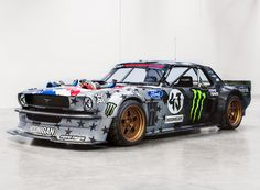 After releasing a short teaser video, Ken Block pulled the wraps off its evolved hooning machine based on a 1965 Ford Mustang, the Hoonicorn V2.