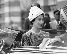 Queen Elizabeth during her official visit to India on her way to visit a painting exhibition on January 1961 in New Delhi, India. (Photo by Keystone-France \ Gamma-Rapho via Getty Images) Hm The Queen, Royal Queen, House Of Windsor, Windsor Castle, New Delhi, Delhi India, Eugenie Wedding, British Monarchy History, Elisabeth Ii