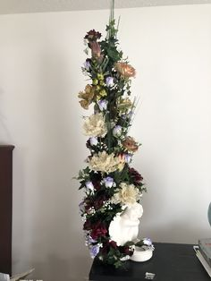 I do arrangment on cherub Cherub, Christmas Tree, Shelves, Holiday Decor, Flowers, Top, Beautiful, Home Decor, Teal Christmas Tree